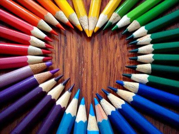 inkulte-couleurs-coeur-crayons
