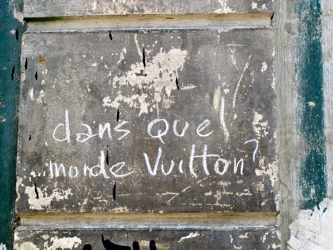 Dans-quel-monde-Vuitton--graffiti