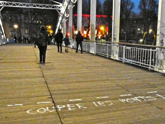 message-street-art-couper-les-ponts-8