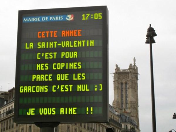 inkulte-Saint-Valentin-panneaux-lumineux-paris-1