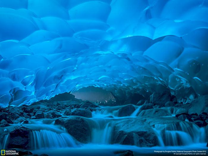inkulte-Mendenhall-cavernes-de-glace-de-Juneau-en-Alaska