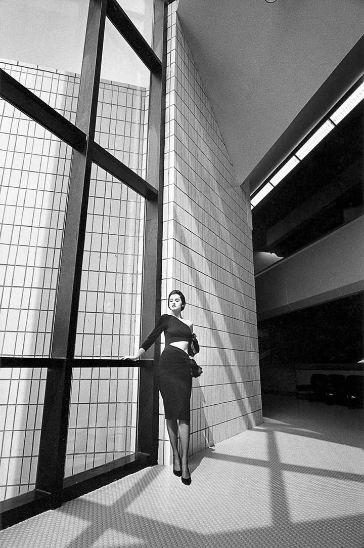 jane-birkin-jeanloup-sieff-architecture