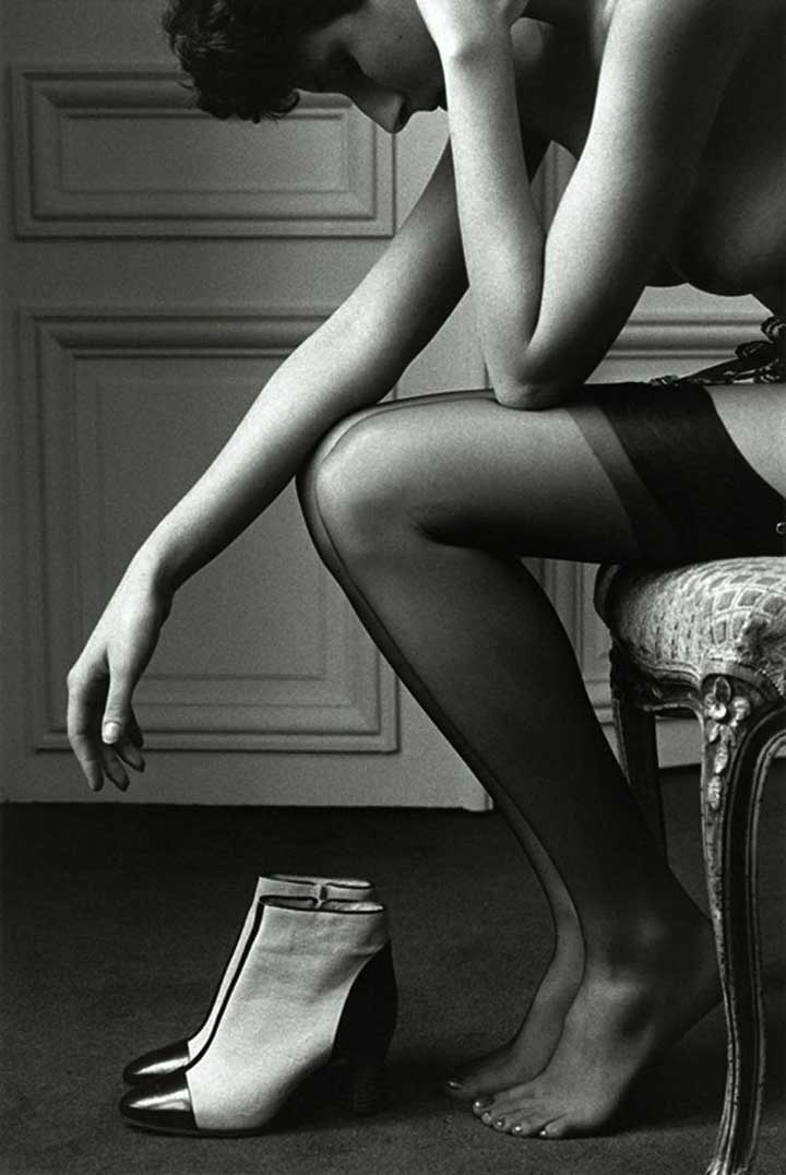 jeanloup-sieff-femme-assise